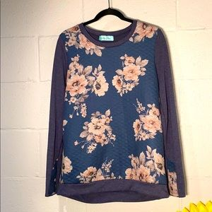 Filly Flair Size Large Quilted Floral  Blue Top